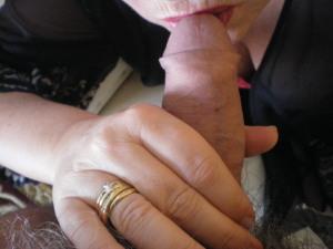 Wir sind ein niveauvolles Paar dass bei Gefallen Sex zu viert ausprobieren möchte. Wenn ihr so ähnlich denkt und diskret und sauber seit, dann meldet euch unverbindlich