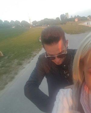 Wir sind eine schönes par alberto 28 und nina 29 Jahre alt,1.84 und 1.78 gross,70 und 56 kg und wir studieren in Wien,wir suchen eine andere par für masagge und andere spass....